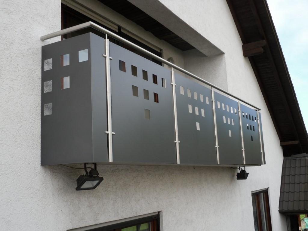 http://creativmetall-modritsch.de/Originale/balkon2.JPG