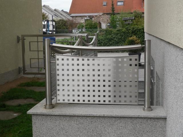 http://creativmetall-modritsch.de/Originale/fg3.JPG